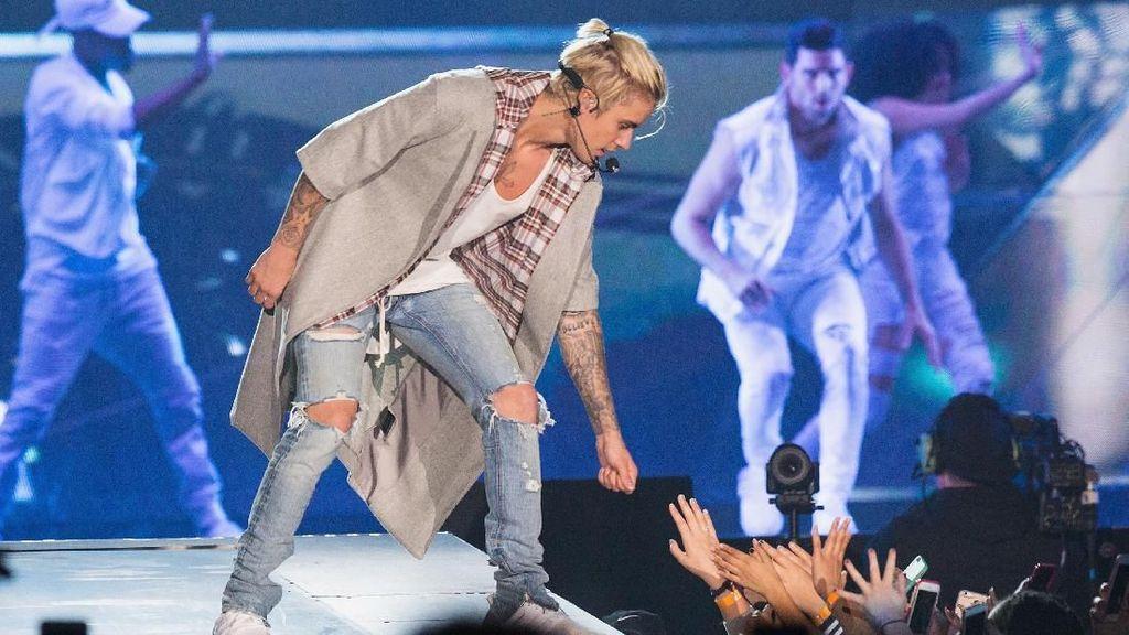 Justin Bieber Cari Terapi Depresi, Apa Penyebabnya?