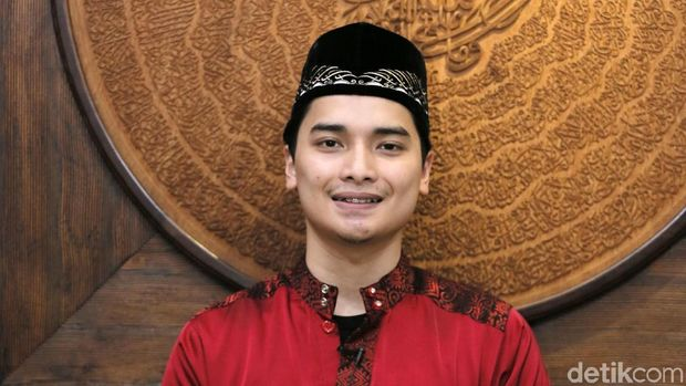 Putra Mendiang Ustaz Arifin Ilham Sebut Ayahnya Tokoh Pemersatu