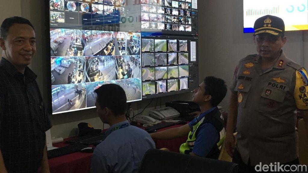 Pantau Pengamanan Mudik di Bandara Soetta, Kapolda Cek KesiapanCCTV