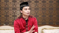 Suami Yang Menangis Jadi In Memoriam Ustaz Arifin Ilham