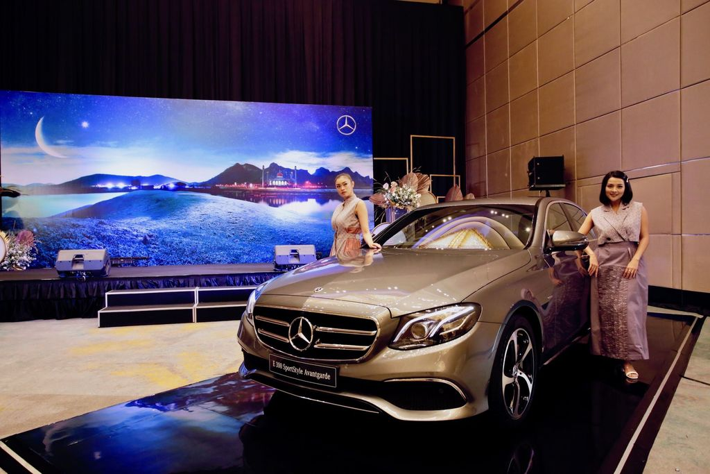 PT Mercedes-Benz Distribution Indonesia memperkenalkan dua varian mesin baru E-Class: the new E 200 Avantgarde dan new E 300 SportStyle Avantgarde.
