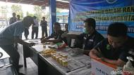 Jelang Mudik, BNNK Tulungagung Tes Urine Puluhan Sopir Bus