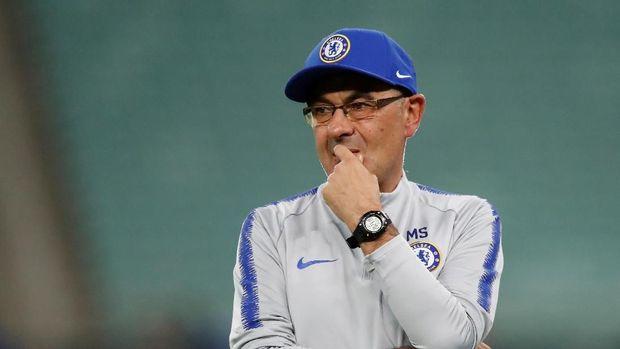 Maurizio Sarri hengkang dari Chelsea setelah memberikan trofi Liga Europa pada klub tersebut.