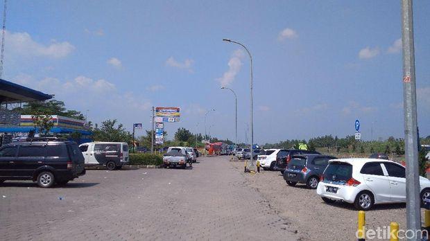 Pengelola Tol Cipali Tambah Toliet dan Lahan Parkir di Rest Area