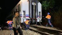 Evakuasi Kereta Api Lodaya yang Anjlok di Nagreg
