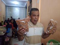 Kriuk Renyah Kue Otere-otere Khas Makassar yang Diburu Saat Lebaran