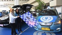 Taksi Listrik Bluebird Mulai Beroperasi di Bandara Soetta