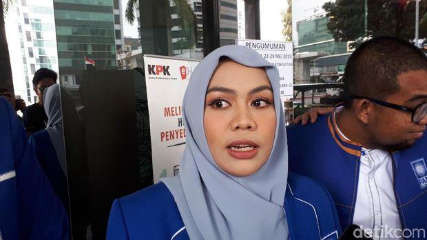 Zita Anjani usai menyerahkan LHKPN di KPK.