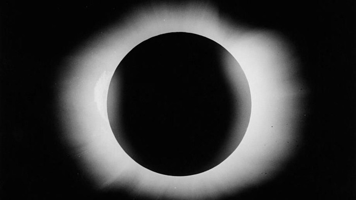 Gerhana matahari total. Foto: Royal Astronomical Society