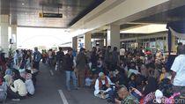 Tiket Pesawat Mahal Bikin Pelabuhan Tanjung Perak Dipadati Pemudik
