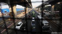 Tol Jakarta Arah Cikampek Masih Macet di Sejumlah Titik