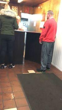 Adu Mulut Gara-gara Kecap, Pria Ini Ancam Bakar Habis Restoran
