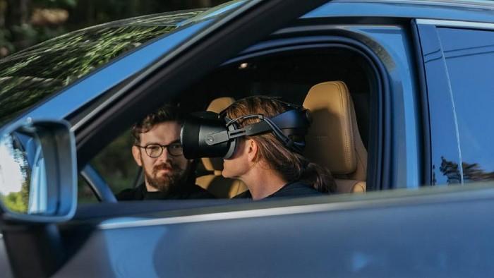 Augmented reality untuk nyetir mobil