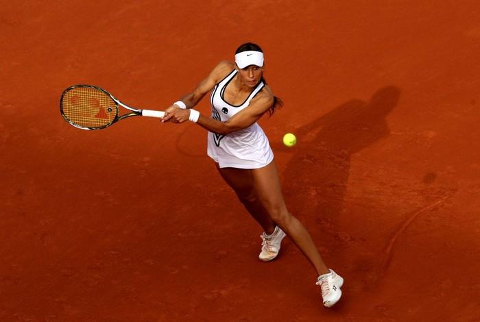 Foto pertandingan petenis asal Rusia, Vitalia Diatchenko sontak jadi viral karena netizen terkagum-kagum dengan otot kekar yang dia miliki. (Foto: Getty Image)