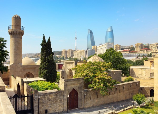 Baku sejatinya merupakan destinasi wisata yang indah. Ada banyak sejarah dengan berbagai bangunannya yang megah dan terawat. Salah satunya, Istana Shirvanshahs yang dibangun sejak abad ke-15 dan masuk Situs Warisan Dunia UNESCO (iStock)