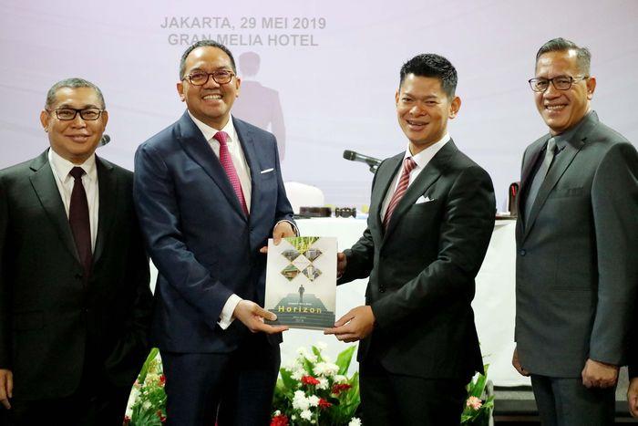 """Hal ini diumumkan pada Rapat Umum Pemegang Saham Tahunan dan Rapat Umum Pemegang Saham Luar Biasa pada Rabu (29/05) di Jakarta. Perluasan industri ini untuk untuk menyerap produksi keramik """"Essenza"""" dan sebagai recurring income bagi bisnis IKAI. Foto: dok. Intikeramik"""