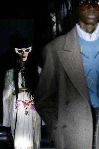 Protes UU Anti-aborsi, Gucci Rilis Gaun Bergambar Uterus Wanita