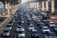 Tol Jakarta-Cikampek Padat Merayap