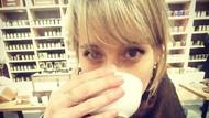 Sebelum Berakhir di Sekte Seks, Bintang Serial Allison Mack Juga  Penggemar Kopi