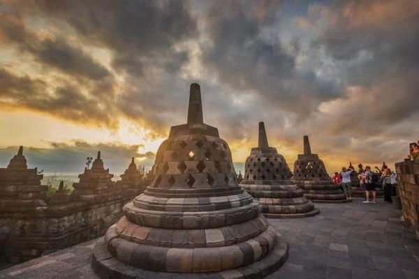 Atraksi lain yang disuguhkan Candi Borobudur adalah sunrisenya. (Teguh Tofik Hidayat/dTraveler)