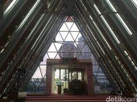 Masjid Jami'e Darussalam rancangan Ridwan Kamil /