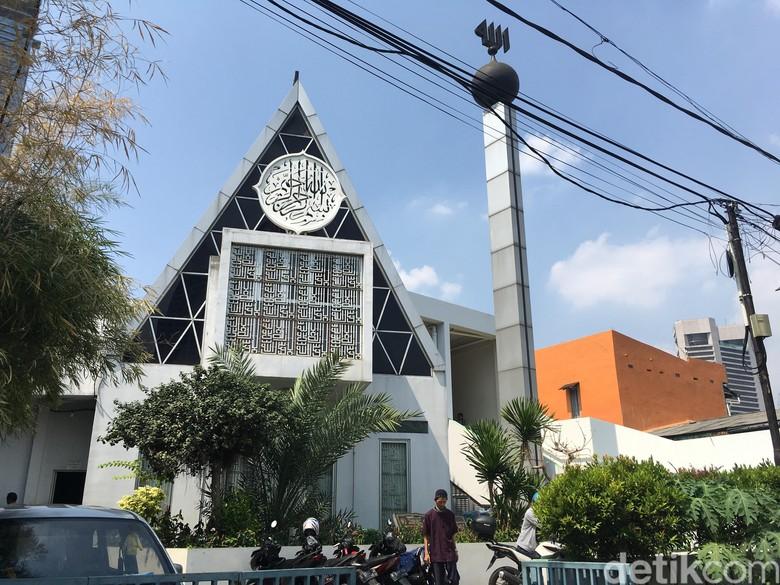 Melihat Masjid Segitiga Lain Rancangan Ridwan Kamil di Tanah Abang