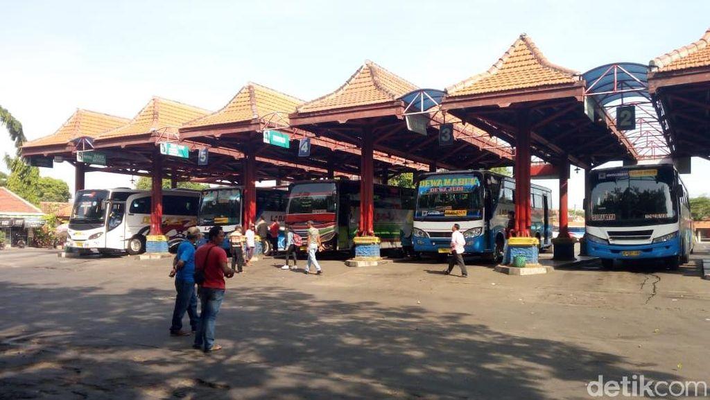 H-5 Lebaran, Tak Ada Lonjakan Penumpang di Terminal Bayuangga Probolinggo