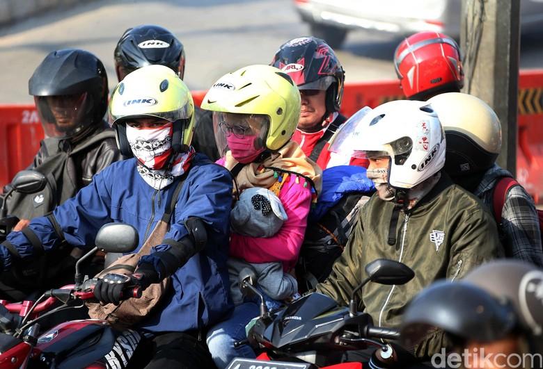 Ilustrasi mudik naik motor Foto: Rengga Sancaya