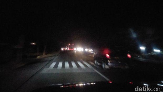 Lajur Pantura Arah Cirebon Lancar, Waspada Kendaraan Kecil