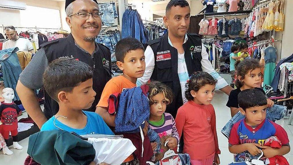 Bingkisan Lebaran untuk Keluarga Palestina dan Suriah dari ACT