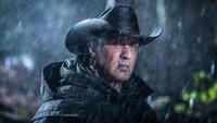 Sylverster Stallone kembali memerankan tokoh/ikon pria macho di seluruh dunia yakni Rambo. Di usia yang tak lagi muda, apakah ia berhasil di Rambo: Last Blood? Foto: Dok. Lionsgate