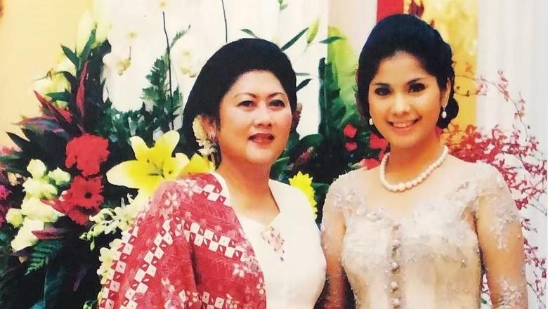 Annisa Ungkap Kain Batik Pesanan Ani Yudhoyono
