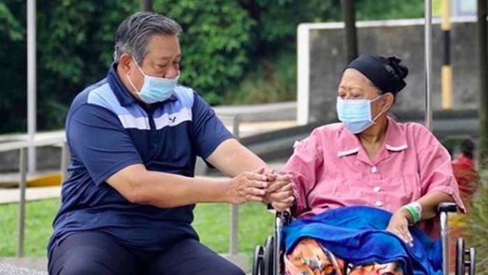 Ani Yudhoyono didiagnosis mengidap kanker darah dan menjalani perawatan di Singapura sebelum wafat hari ini (Foto: Instagram)