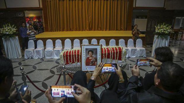 Jenazah Ani Yudhoyono saat disemayamkan di Singapura /