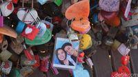 Menggembok foto bersama pasangan (Afif Farhan/detikTravel)