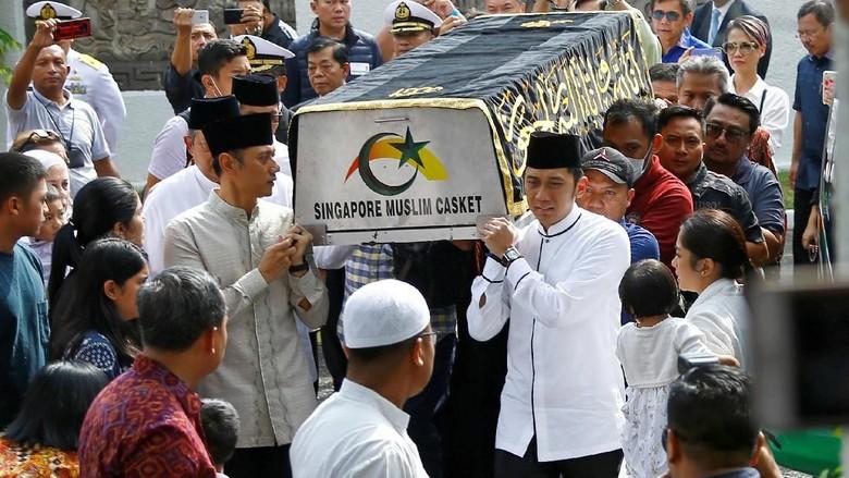 Alasan SBY Pilih Pesawat Hercules: Agar Tetap Bisa Bersama Jenazah Bu Ani
