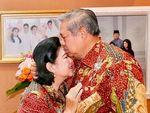 Doa dan Kecupan Terakhir SBY untuk Sang Istri