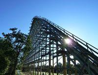 Jatuh 5 Meter dari Roller Coaster, Bocah Ini Kritis