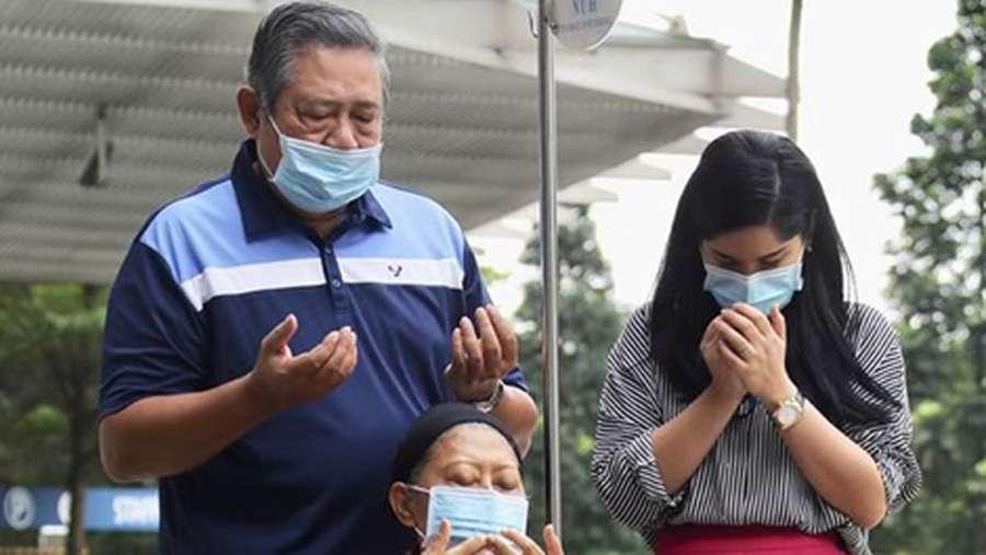 Melihat Lagi Kebersamaan Annisa Pohan dan Ibu Ani Yudhoyono