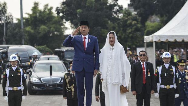 Jokowi jadi inspektur upacara