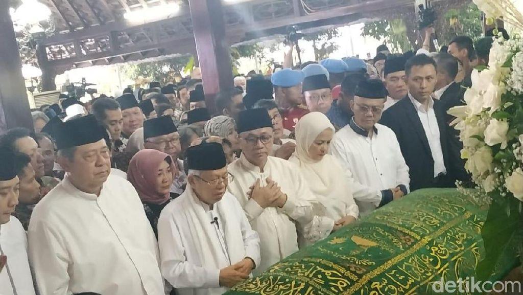 Maruf Amin Imami Salat Jenazah Ani Yudhoyono