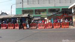 Libur Natal-Tahun Baru, Polisi Kanalisasi Pasar Limbangan Garut