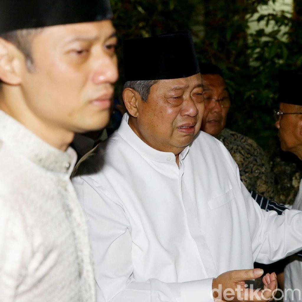 AHY: Pak SBY Masih Fokus Rawat Eyang di RS