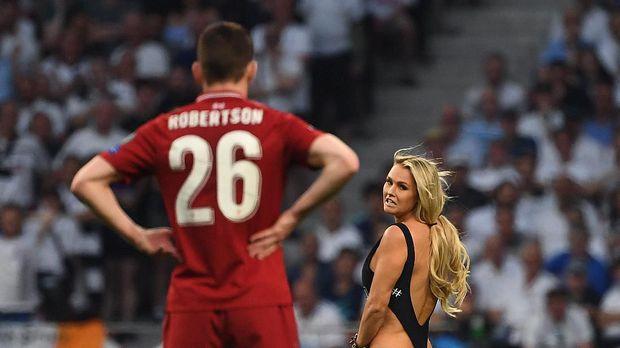 Penyusup di Final Liga Champions Dirayu dari Pemain Liverpool