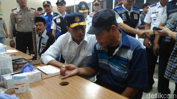 Pantau Arus Mudik Di Pulogebang, Menhub Soroti Sistem Ticketing