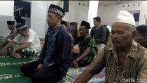 Jemaah Naqsabandiyah Rayakan Idul Fitri Hari Ini