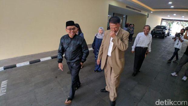 Mustofa Nahrawardaya keluar dari Bareskrim Polri