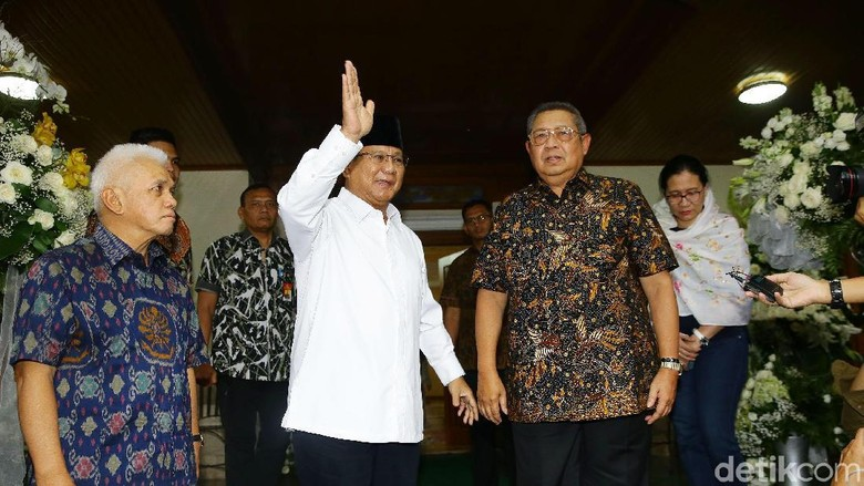 PD: BPN Ngawur! SBY Minta Prabowo Cerita Kebaikan, Bukan Pilihan Politik Bu Ani