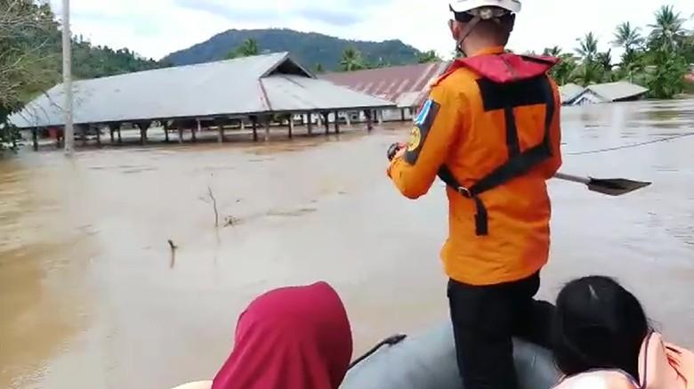 Banjir Masih Rendam Konawe Utara, 8 Desa Terisolasi