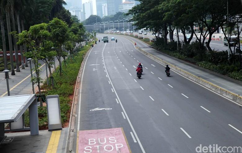 Jalanan Jakarta Sepi saat Libur Lebaran. Foto: Lamhot Aritonang